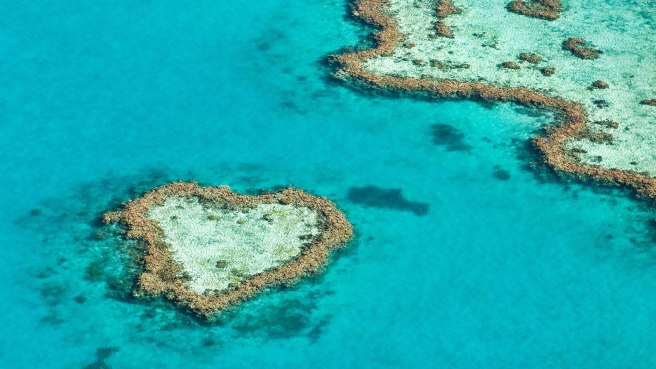 heart-shaped-island-reef-australia.jpg